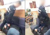 醉酒女自称被民警用膝盖暴力锁喉,警方:警告无效后徒手约束