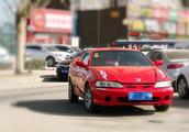 中国第一款超跑,顶配才10万左右,百公里油耗7个,二手车2万搞定