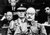这个日本首相规定:军人不能被俘必须自杀,到了自己却怂了!