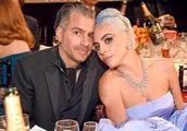 Lady Gaga疑已与未婚夫分手并取消婚约,格莱美上未佩戴订婚戒指