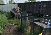 货车与火车相撞是怎么回事?货车与火车相撞现场高清大图曝光