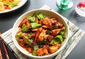 青椒炒鸡翅怎么做好吃,青椒炒鸡翅的家常做法