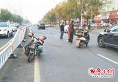 送餐摩托车撞上电动车 两驾驶员一同进了医院