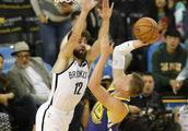 NBA常规赛:勇士胜篮网