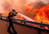 加州史上最惨重!该州大火总死亡人数上升至44人 阵风仍在路上