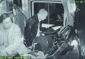 公交司机突发脑梗奋力踩刹车 将车停稳后去世