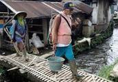 全世界污染最重河,漂浮大量垃圾,居民却依然饮用