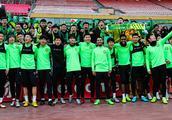 北京中赫国安举办球迷开放日 施密特表示足协杯决赛要全力以赴