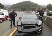 库里遭遇车祸事故幸无大碍,豪车前保险杠脱落受损严重