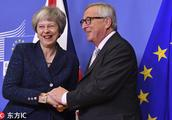 """英首相特蕾莎-梅赴布鲁塞尔敲定""""脱欧""""协议"""