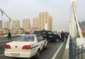 哈尔滨一男子坠入江中不幸遇难,事发前曾与人发生争执