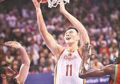 男篮世预赛中国队击败黎巴嫩队 易建联再展统治力