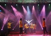 我们的梦逆风飞扬 福建省第八届残疾人运动会在福州拉开序幕