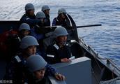 日本自卫队干部因猥亵30名未成年女性被停职,学历不低的自卫队为何性丑闻频发?