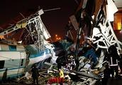 土耳其媒体:高铁撞上铁路机车后脱轨,事故致4死43伤