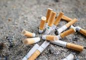 环卫工捡烟头一斤卖30元 城管为提升环卫工的工作积极性出奇招