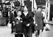 """解放军陆军官微为一名战士发布""""寻人启事"""" 扫雷勇士寻姐 求助天下网友"""