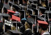 美国学生贷款债务创历史新高 自经济衰退以来翻了一番