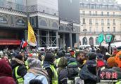 法国两大交通公司将给职工发特别奖金 工会不买账