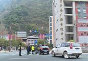 开展交通纠违行动,增强群众安全意识