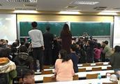 """""""太阳花""""阴魂不散?台湾大学昨晚上演无耻一幕,遭各方痛批"""