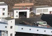 陕西矿难遇难21人遗体升井 工友:凭感觉寻找遇难者