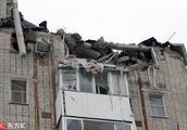 俄罗斯一居民楼天然气爆炸 楼层坍塌上百人被疏散