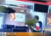 「网络谣言粉碎机」男子教训高铁霸座者获刑?官方:事发四年前,判处缓刑