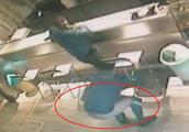 砸店伤人……华人店铺频遭暴力骚扰,报警无用反被查?!老板无奈:关门!