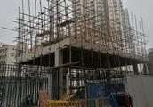 深圳一小区忽建配电站业主均不知情,建设方称为赶工期无证开工