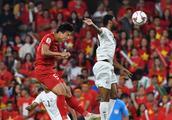 亚洲杯:阮光海圆月弯刀桂玉海点射破门,越南2-0也门