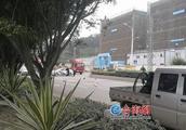 漳州:摩托车调头被小货车撞飞 司机经抢救无效死亡