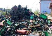 潮州集中拆解一批非法客运人力三轮车和非法电动装置
