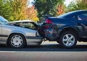 追尾一定是后车的责任吗?交警:如果出现这几种情况,前车全责!