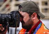 伊拉克摄影师流泪原因令人动容 亚洲杯伊拉克0-1卡塔尔被淘汰