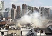 上海黄浦老城厢民宅起火 惊扰四邻无人伤亡