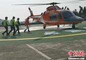 重庆警方投入专业救援直升机为春节保驾护航