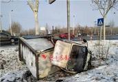 8车连环追尾!淄博接连发生多起车祸,大货车、小货车都翻了!