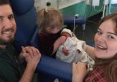 夫妇怀三胞胎,为了让儿子存活,忍痛流掉双胞胎