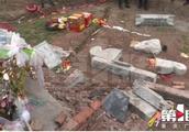 祭拜先人墓碑垮塌怎么回事?墓碑为什么会突然垮塌事件始末详情
