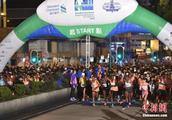 """香港""""渣打马拉松2019""""全马男女冠军齐刷新大会纪录"""