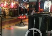 """女大学生5万元买鞋做代购称被坑,品牌体育店被疑""""真假混卖"""""""
