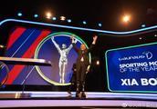 """5次冲击珠峰的""""古稀勇士""""夏伯渝 获劳伦斯年度最佳体育时刻奖"""