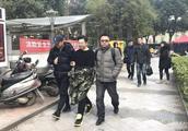 """90后小夫妻竟成""""网络黑社会""""!办41家网站靠勒索年入百万"""