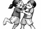 因放音乐音量大小问题起争执,桂林一女生捅伤舍友