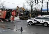 4人死亡15人受伤!河南一公交与货车相撞后侧翻,乘车人数正核实