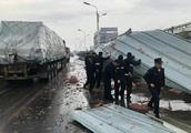 马鞍山强对流天气致部分工棚、塔吊等倒伏 造成人员伤亡
