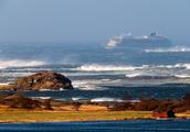 挪威邮轮引擎故障发求救信号 并遭遇恶劣天气曾面临失控危险