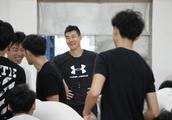 副教授王仕鹏广州体院开讲啦!一起授课的还有前美女国手关馨