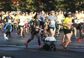 中国马拉松选手夺冠!以2秒力压肯尼亚选手,打破赛会纪录